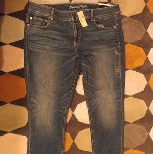 American Eagle 18 Regular Cropped Jeans NWT
